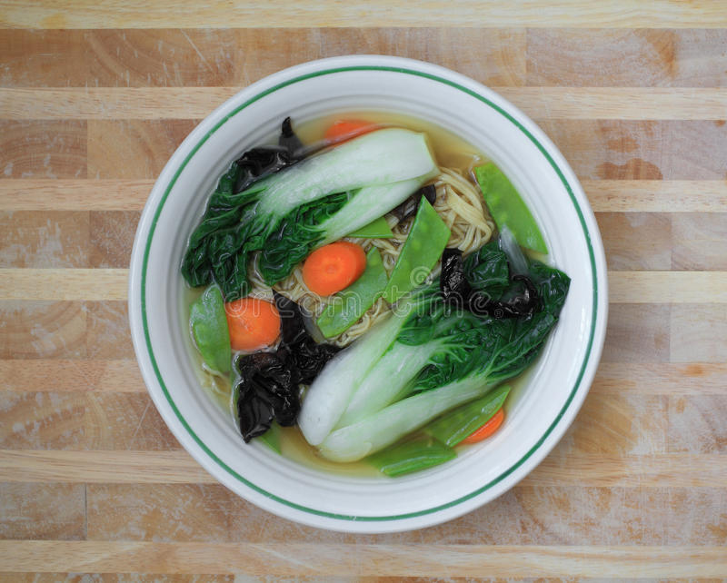 Minestra di pasta di verdure immagini stock