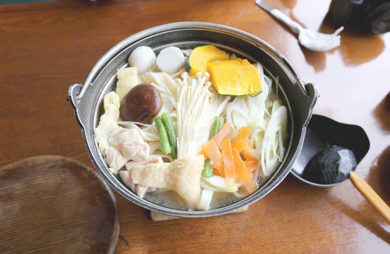 Minestra di pasta giapponese del ramen del Udon (nella cottura del giapponese) immagine stock libera da diritti