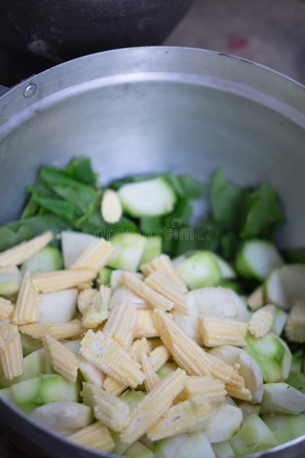 Minestra di verdura mista piccante tailandese fotografie stock