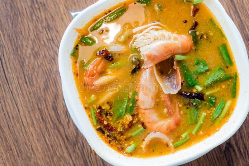 Minestra piccante tailandese tradizionale del gamberetto di fiume dell'alimento, Tom Yum Goong, Tha immagine stock libera da diritti