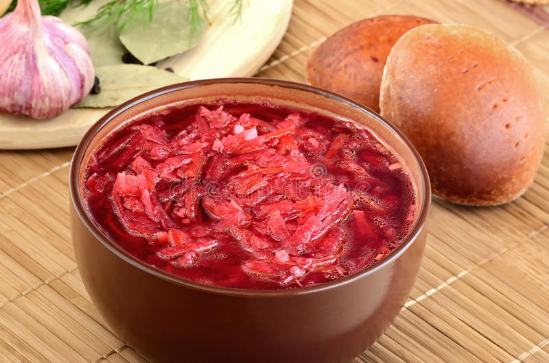 Minestra rossa del borscht immagini stock
