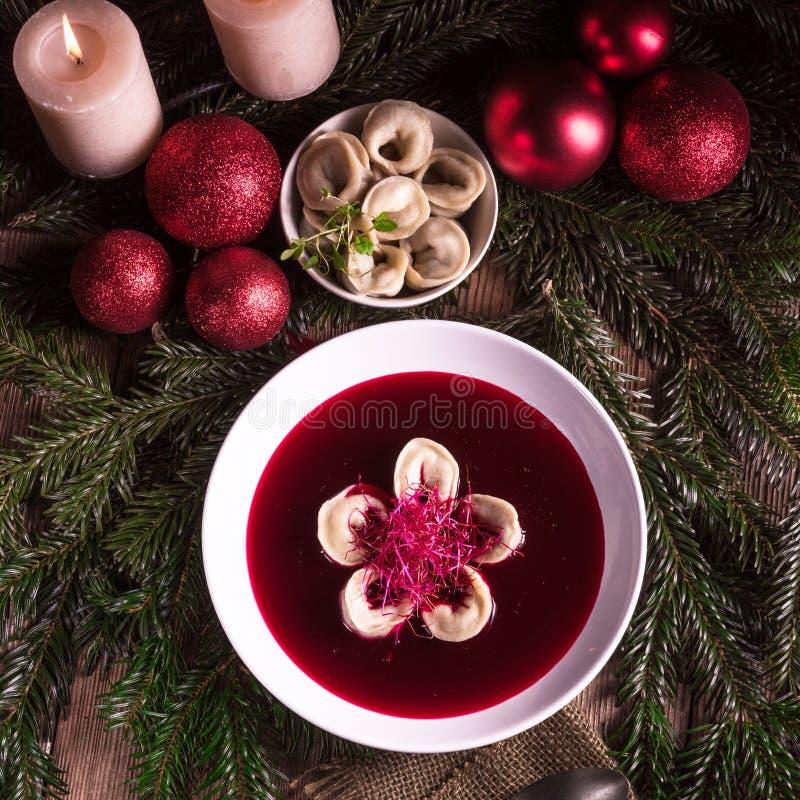 Minestra rossa del borscht immagini stock libere da diritti