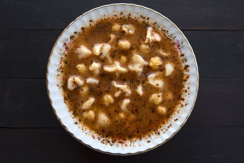Minestra tradizionale deliziosa turca di Manti dell'alimento immagine stock libera da diritti