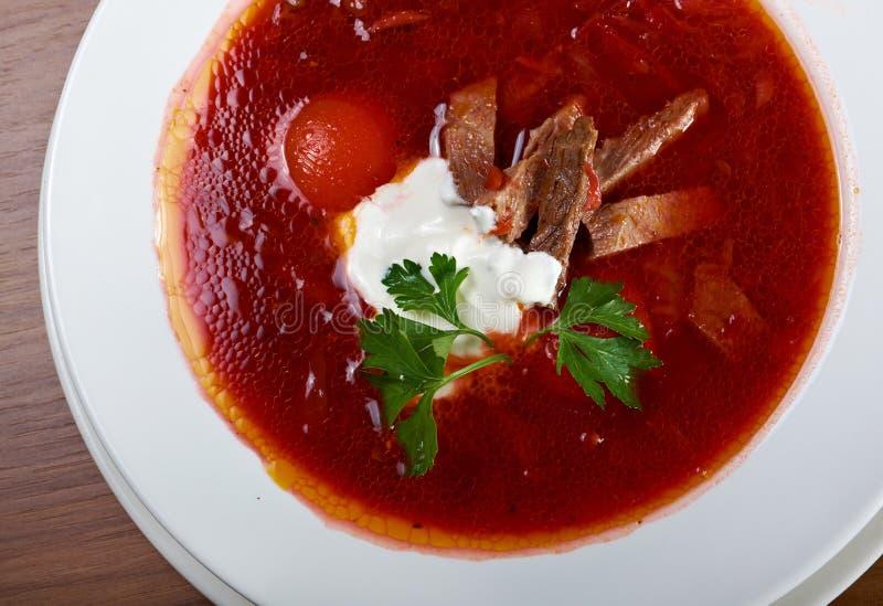 Minestra ucraina e russa della rosso-barbabietola (borscht) fotografia stock libera da diritti