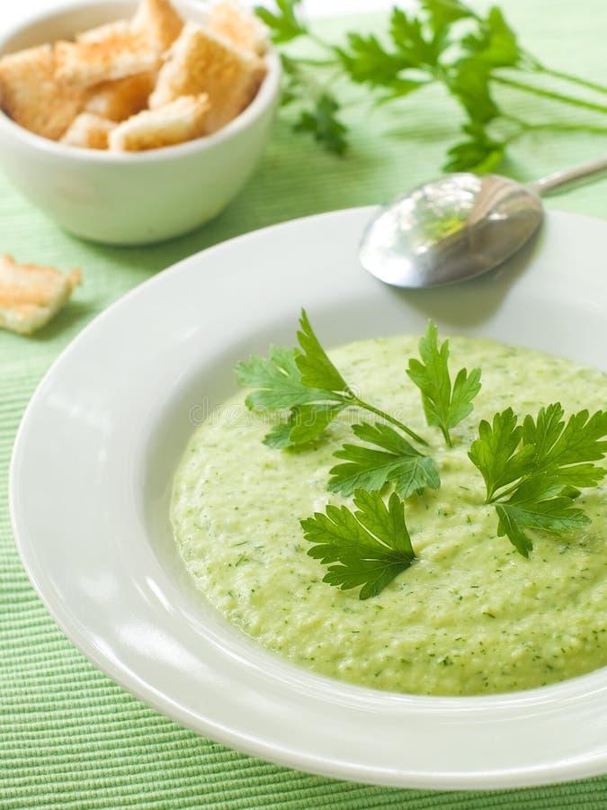 Minestra verde di verdure immagini stock