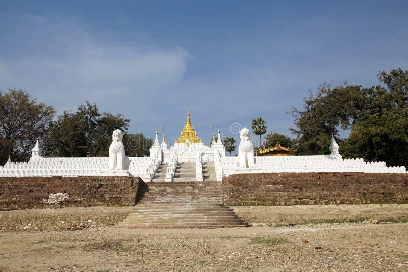 Download Mingun Pahtodawgy Myanmar fotografia stock. Immagine di esterno - 56886966