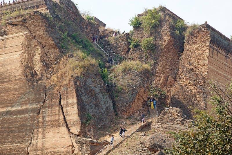 Download Mingun Pahtodawgy Myanmar immagine editoriale. Immagine di storia - 56888155