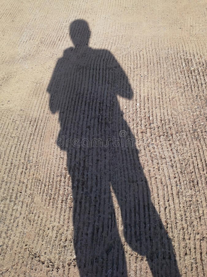Minha sombra no céu brilhante, Hadyai, Songkhla, Tailândia imagem de stock royalty free