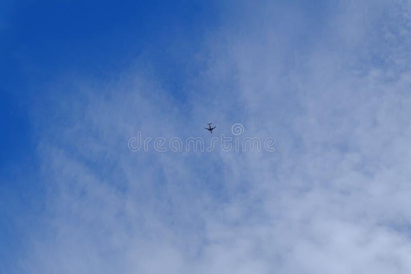 Mini aereo in grande cielo fotografia stock