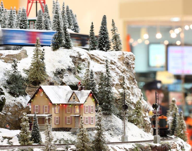 Mini casa en una colina fotografía de archivo libre de regalías
