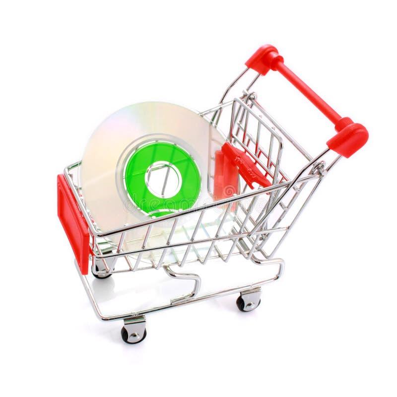 Mini-CD im Einkaufswagen getrennt auf Weiß stockfoto
