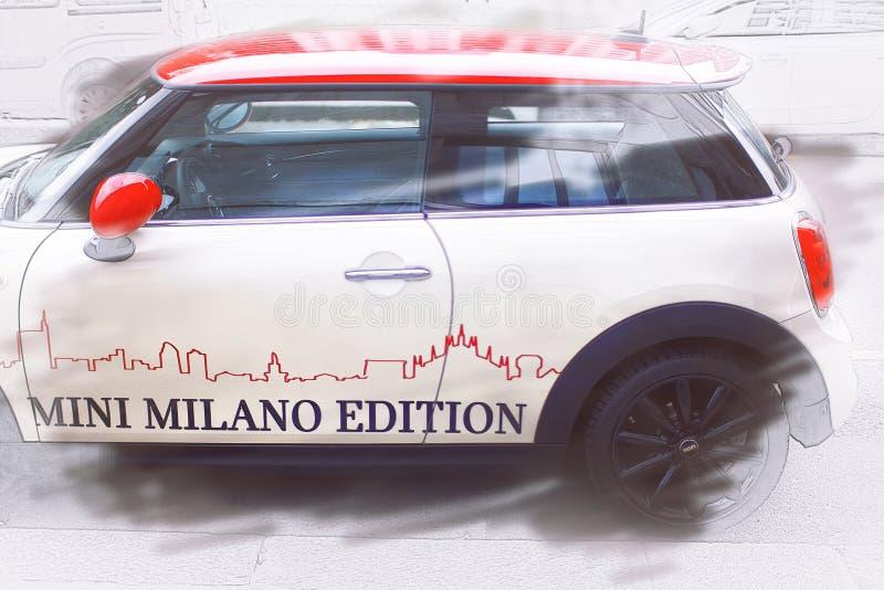 Mini Cooper, το θρυλικό μοντέρνο αυτοκίνητο - έκδοση του Μιλάνου στοκ φωτογραφία με δικαίωμα ελεύθερης χρήσης