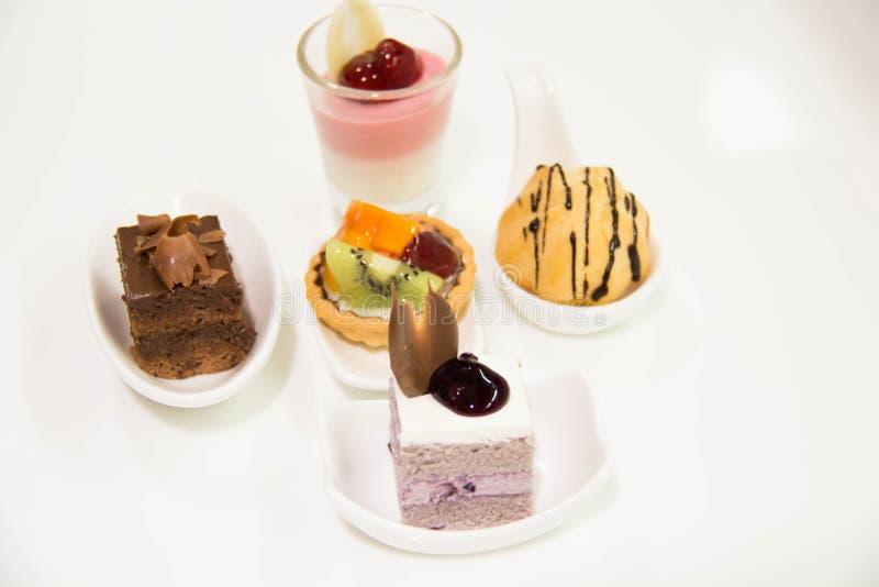 Mini dessert assortito del dolce dei dolci immagine stock libera da diritti
