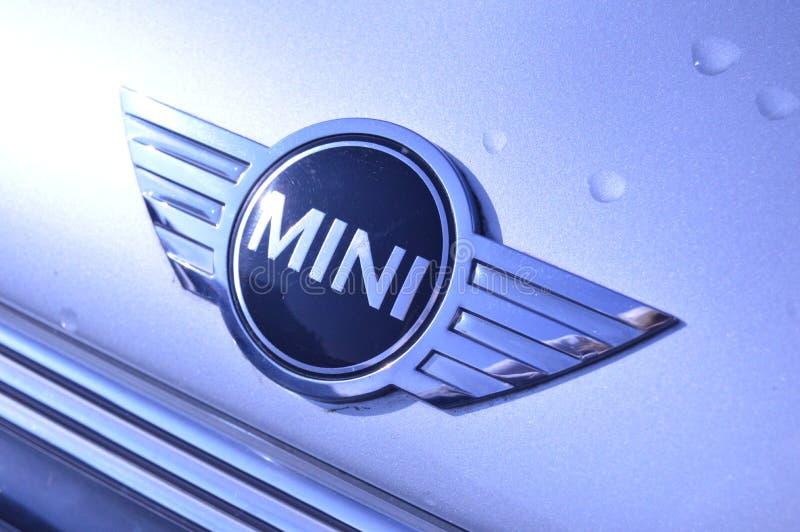 Mini distintivo di BMW sull'automobile immagini stock libere da diritti