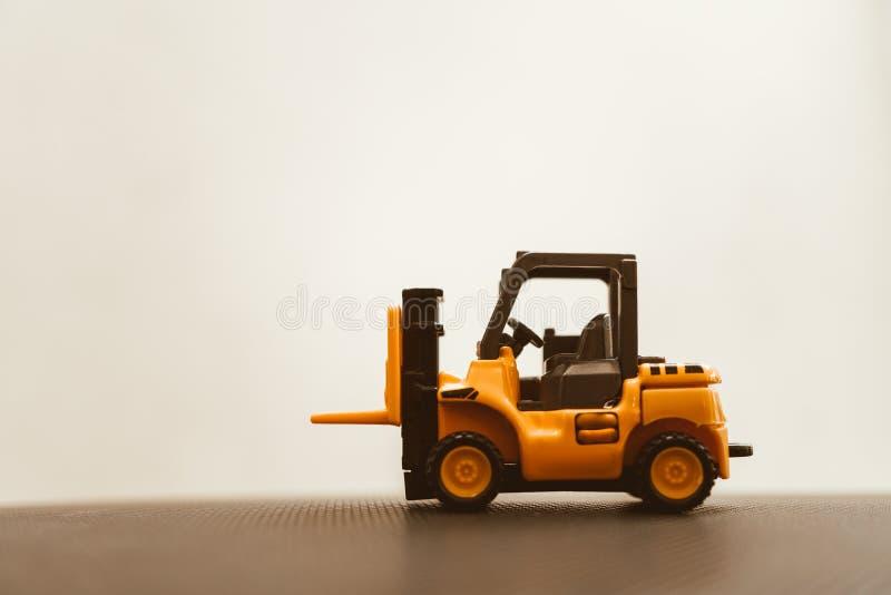 Mini forklift ciężarówka na białym tle obrazy stock