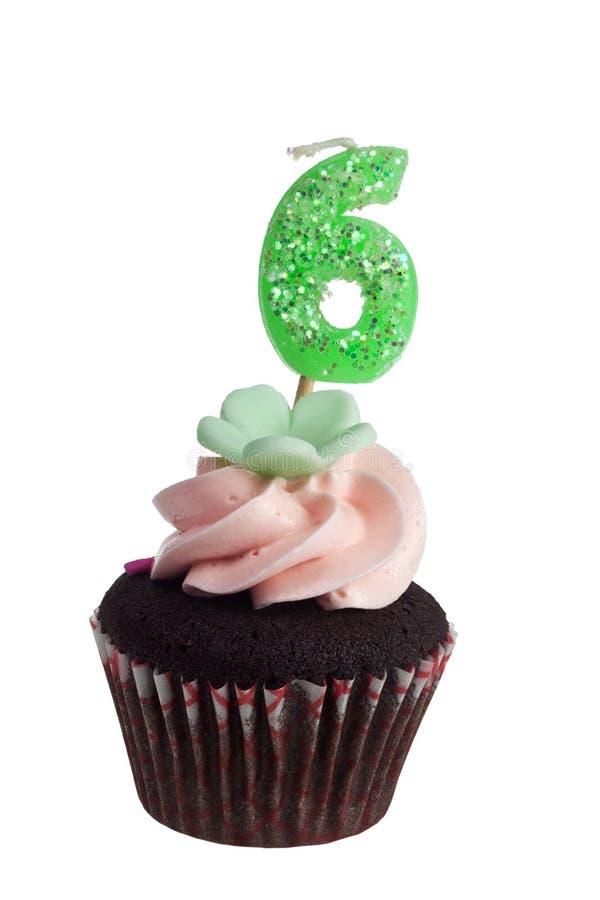 Download Mini Gâteau Avec La Bougie D'anniversaire Pour Six Ans Photo stock - Image du baked, muffin: 45363908