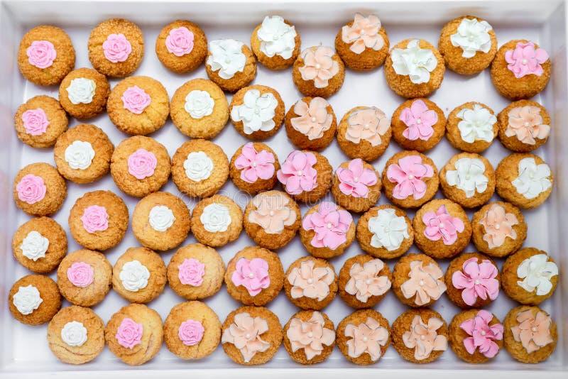 mini gâteaux de dessert image stock