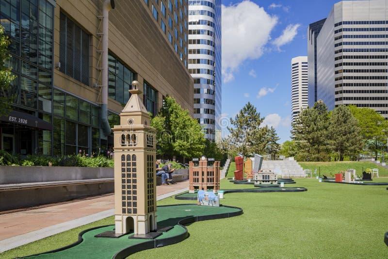 Mini golf nel parco dell'orizzonte immagine stock