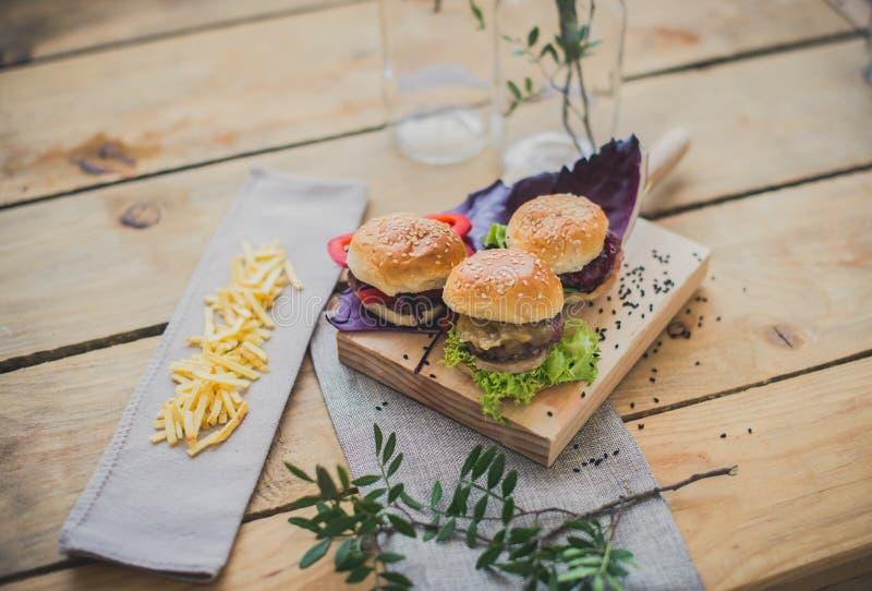 Mini hamburguers imagem de stock royalty free