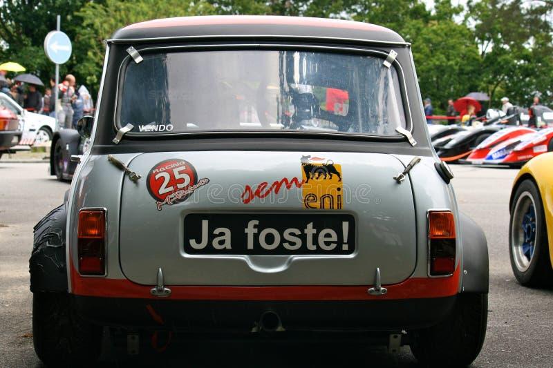 Mini Morris estacionado foto de archivo libre de regalías