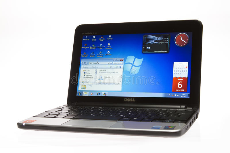 Mini netbook 10 de Dell Inspiron fotos de archivo libres de regalías