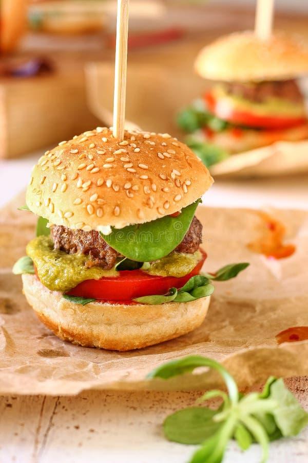 Mini Pesto Burger Sliders fotos de archivo libres de regalías