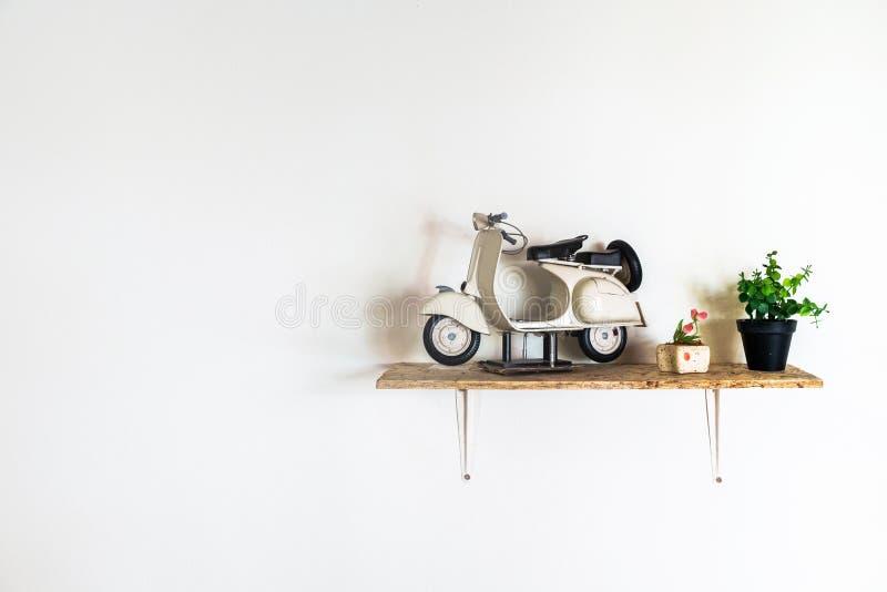 Mini Popular Scooter Model para la decoración de la casa imagenes de archivo