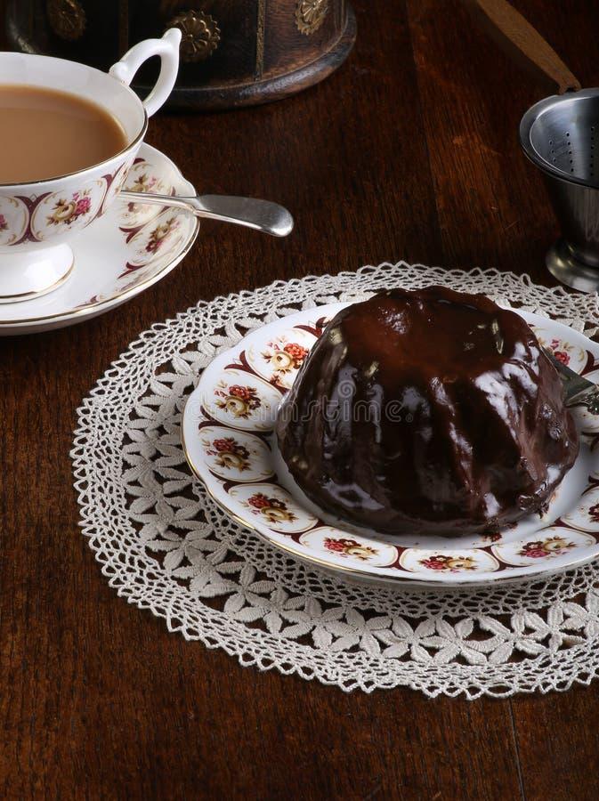 Mini Pound Cake - Schokoladen-Haselnuss, Tee, Spitze stockbild