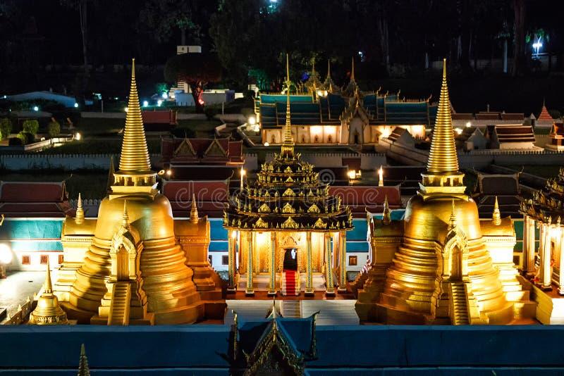 Mini Siam Tajlandia: piękno w wieczór fotografii Tajlandzcy przyciągania zdjęcie royalty free