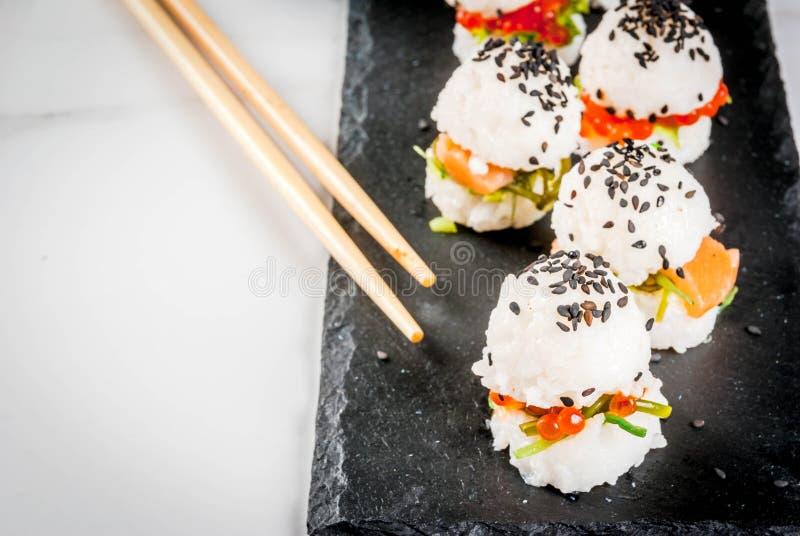Mini sushi-hamburguesas imágenes de archivo libres de regalías