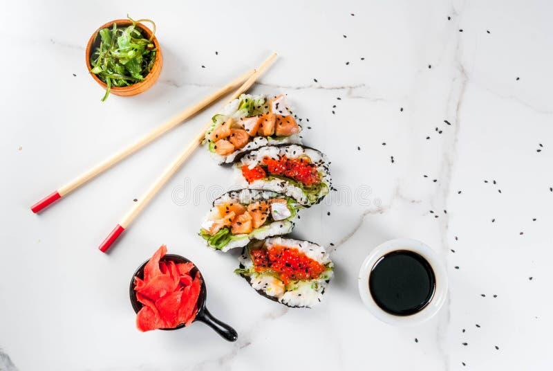 Mini tacos del sushi imagen de archivo libre de regalías