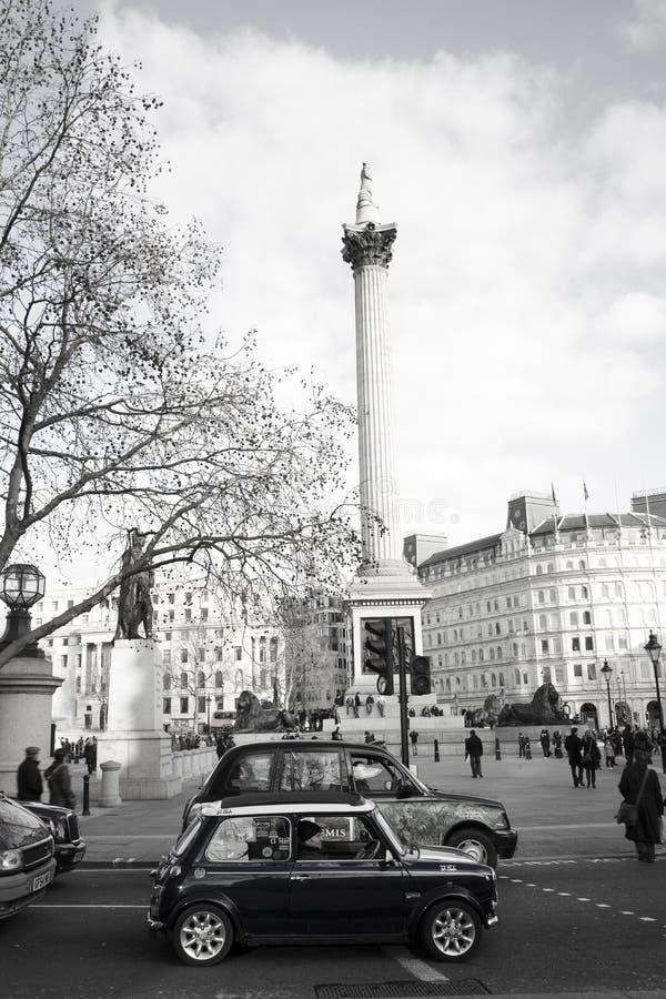Mini viejo en el cuadrado de Trafalgar fotografía de archivo