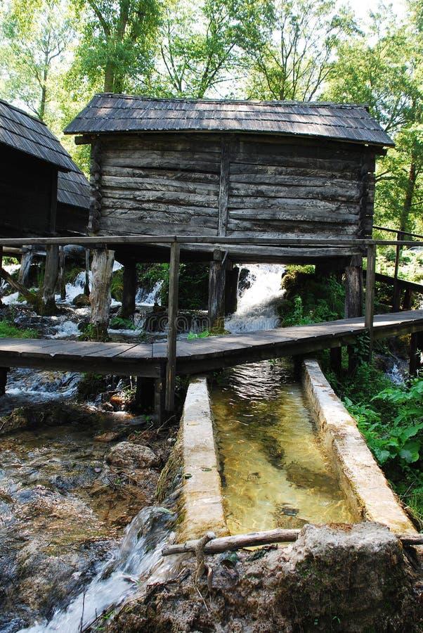 Mini Watermills na Pliva jeziorze zdjęcie stock