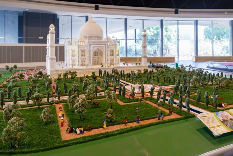 Miniatura de Taj Mahal, uma de Lego das estruturas as mais reconhecíveis no mundo em Miniland de Legoland foto de stock royalty free