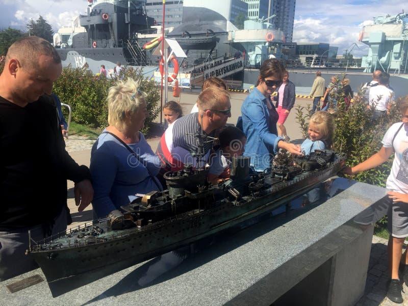Miniatura del distruttore ORP Blyskawica nel porto di Gdynia, Polonia immagini stock