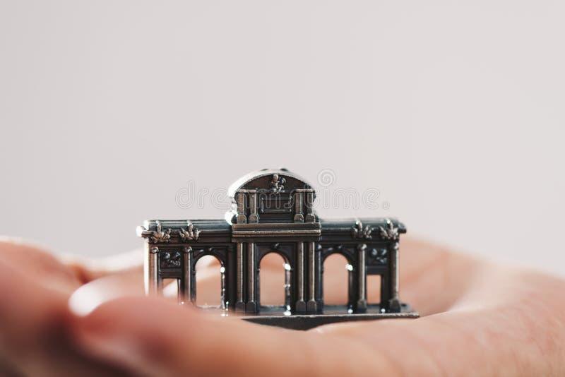 Miniatura del Puerta de Alcala a Madrid, Spagna fotografia stock