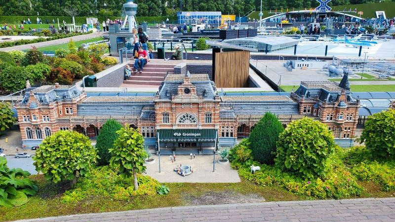 Miniaturbahnhof von Groningen in Madurodam in den Niederlanden lizenzfreies stockbild