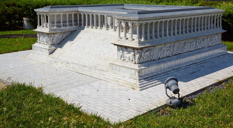 Miniaturk, Istanboel Verminderd exemplaar van Pergamon-Altaar in stock afbeelding