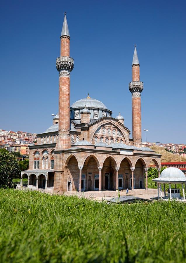 Miniaturk, Istanbul Une copie d'échelle de mosquée de Manisa Muradiye dedans images stock