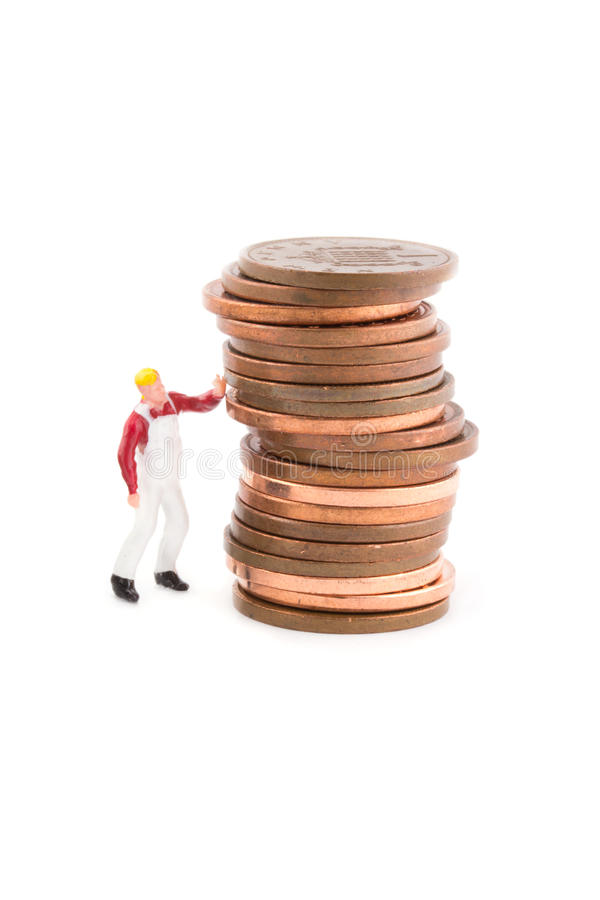 Download Miniaturowa Postać Trzyma Up Monetę Nad Bielem Zdjęcie Stock - Obraz złożonej z groszak, pracownik: 28952670