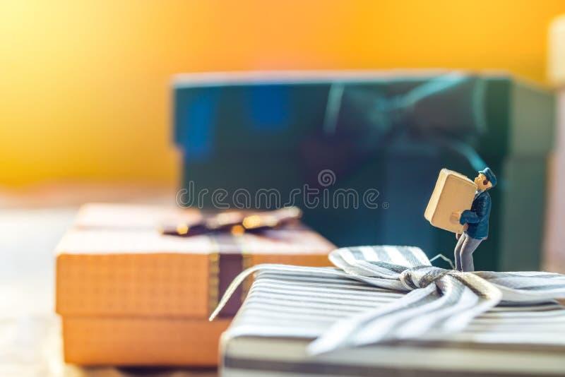 Miniaturowy mailman obrazy royalty free