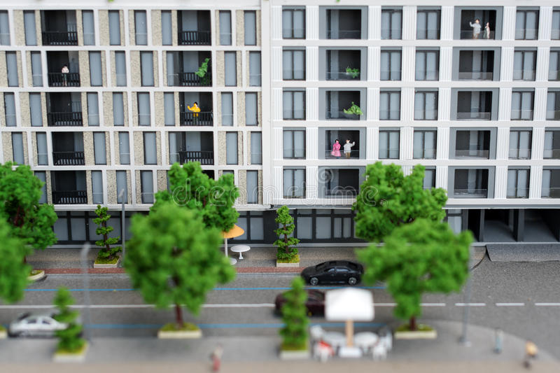 Miniaturowy model, miniatura zabawkarscy budynki, samochody i ludzie, Miasta maquette obraz royalty free