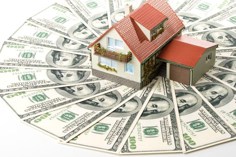 miniaturowy pieniędzy w domu fotografia royalty free