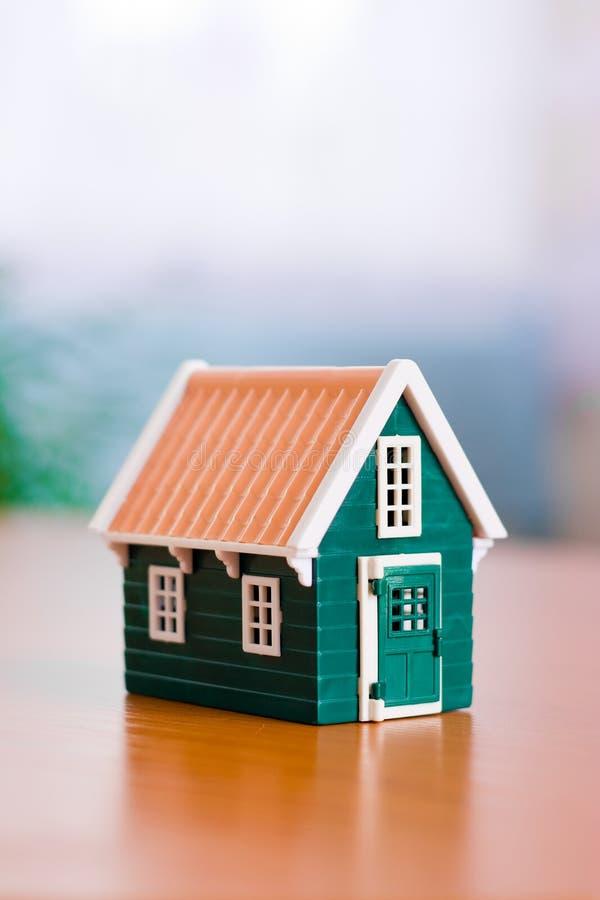 Miniatuur huis royalty-vrije stock afbeelding