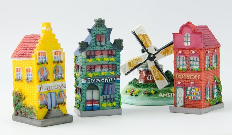 Miniatuur Nederlandse Kanaalhuizen en Windmolen stock afbeelding