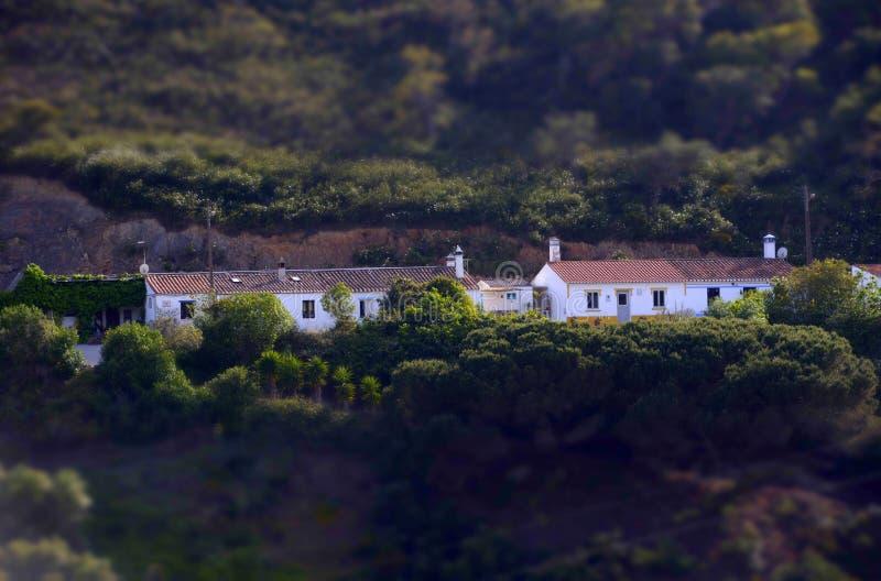 Miniatuureffect - Typische Mediterrane Huizen, Algarve Dorp stock foto's