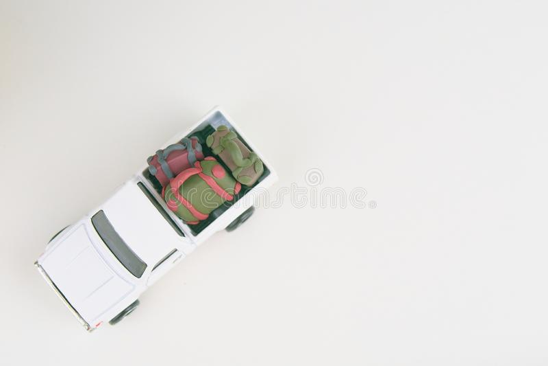 Miniatyr av en liten julbil arkivfoto