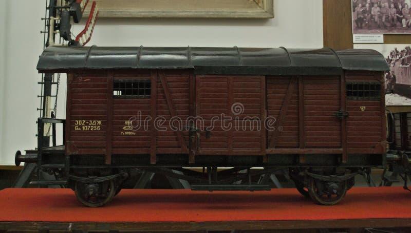 Miniatyrmodell av drevvagnen på skärm i järnväg museum arkivbild