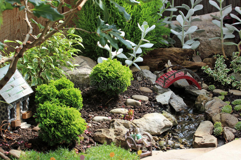 Miniatyrträdgård royaltyfri bild