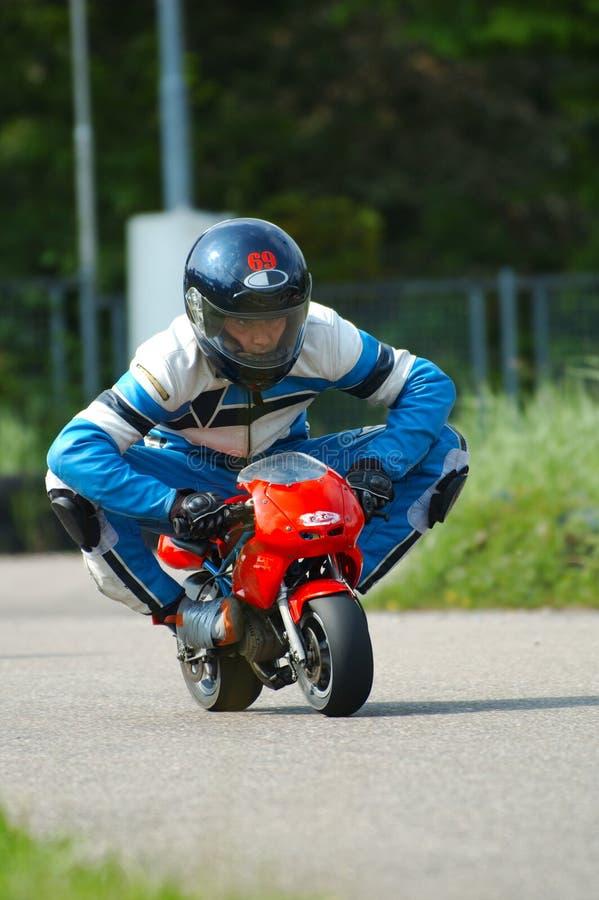minibike赛跑 免版税库存照片